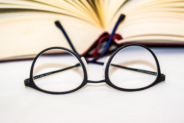 育児中におすすめのメガネとは?